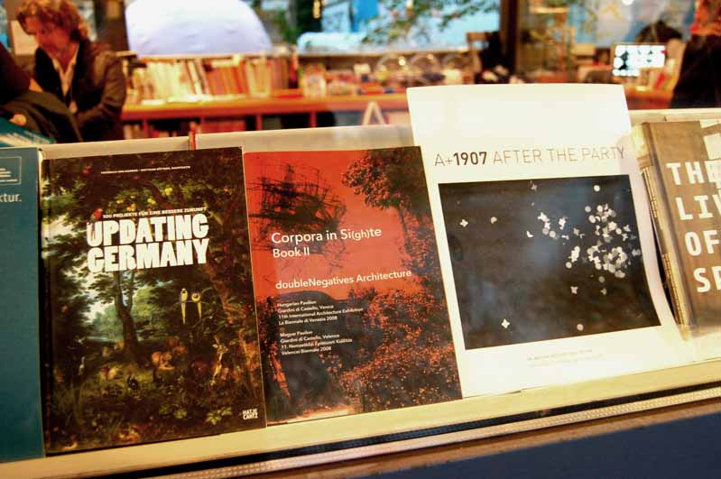 bookii-at-electa-bookshop.jpg