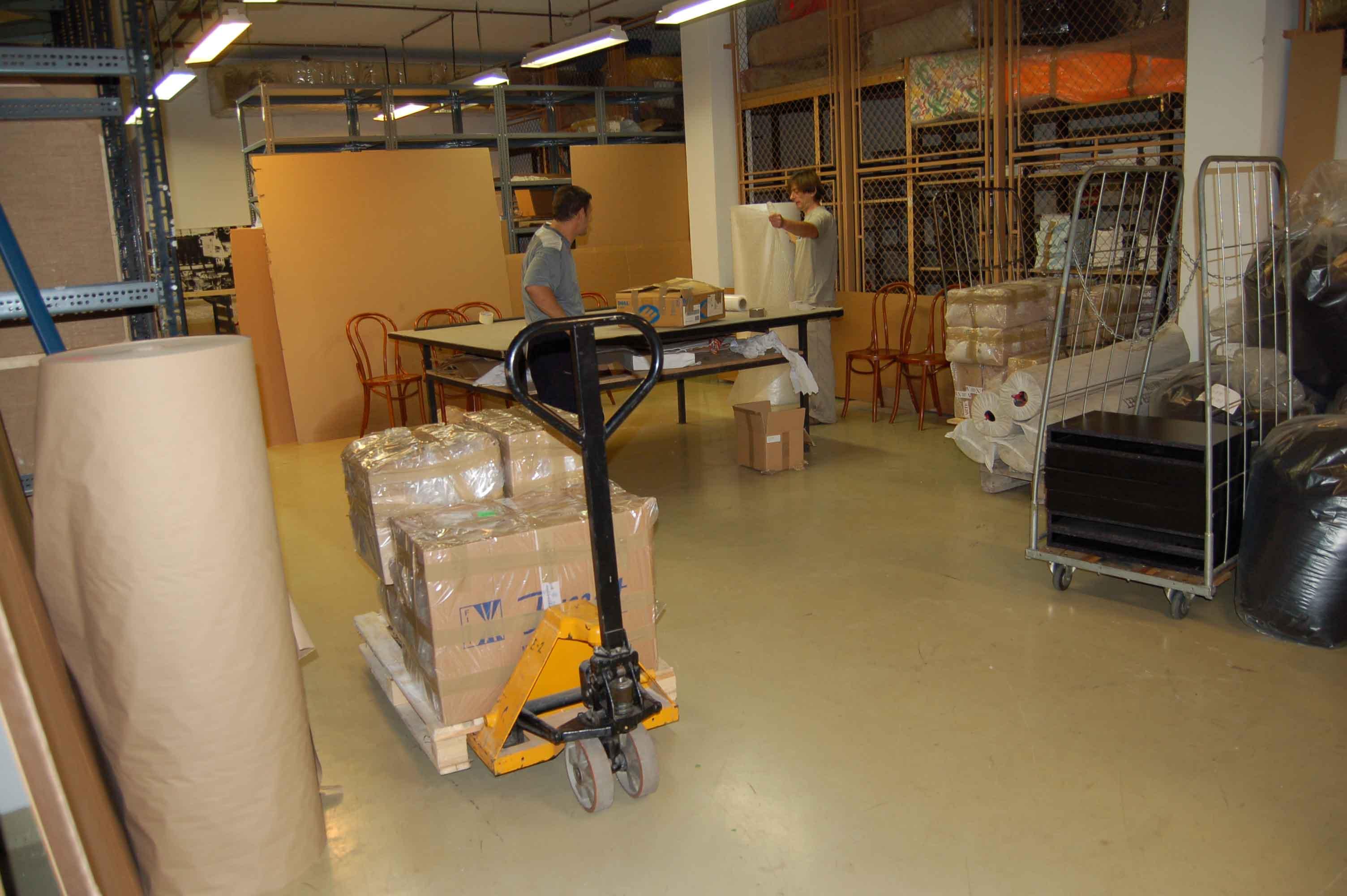 packing_workshop_at_mucsarnok.jpg
